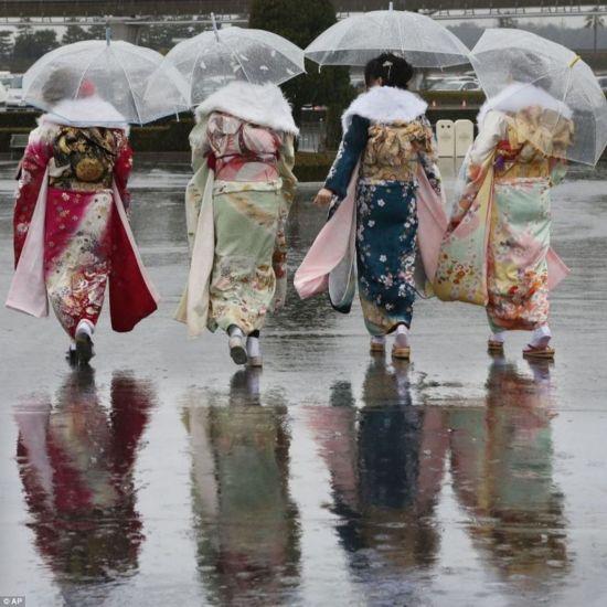 组图:日本少女是这样变为成年人的