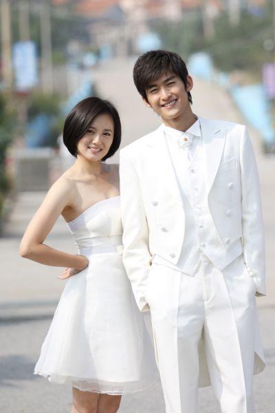 选择女主角:蓝晴晴 一方面说哥你一定要幸福,一方面又跟她哥哥纠缠图片