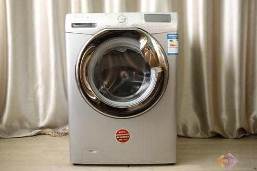 """金羚洗衣机在今年重磅推出了""""小红点""""系列滚筒洗衣机,除了在外观"""
