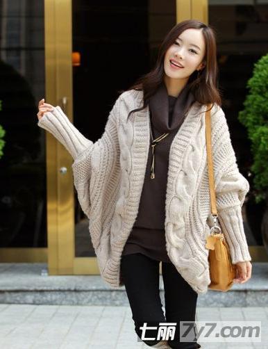 013休闲冬装搭配 韩版女式毛衣外套叠搭穿出个性