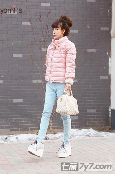 矮个子女生冬装穿衣搭配图片 教你巧搭服装显身高图片
