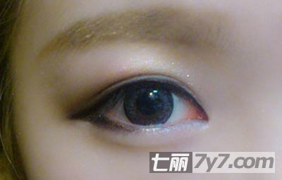 图解日系大眼娃娃妆化妆步骤