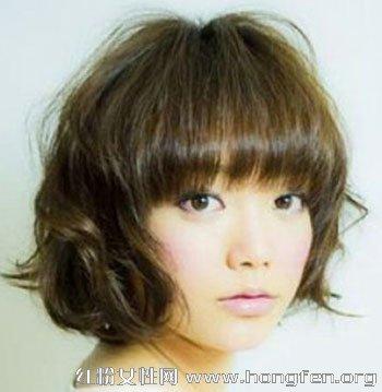 大脸适合的发型 推荐短发梨花头烫发发型【3】