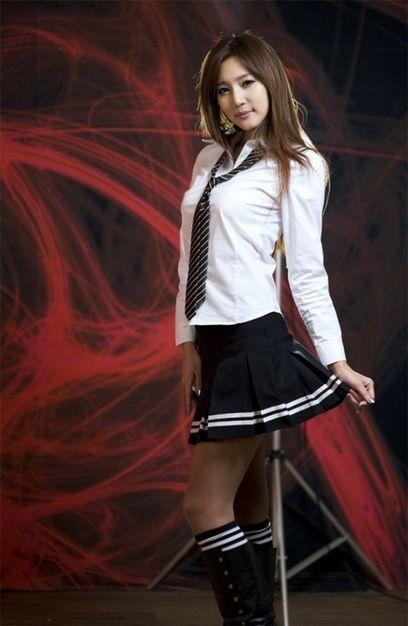 日本校服女个个是齐臀小短裙图【16】