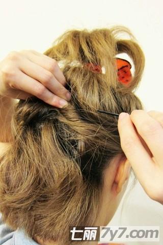 短发怎么扎好看图解 分享齐肩短发简单盘发教程【4】