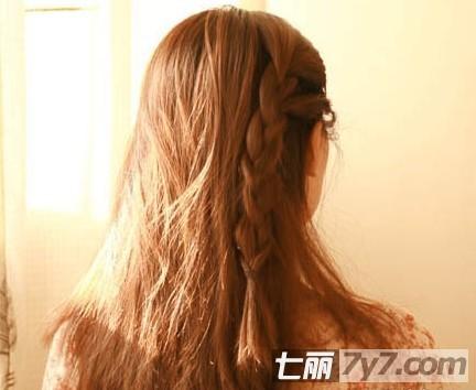 最新瘦脸减龄发型 韩式简单编发 盘发教程    韩式简单编发盘发步骤