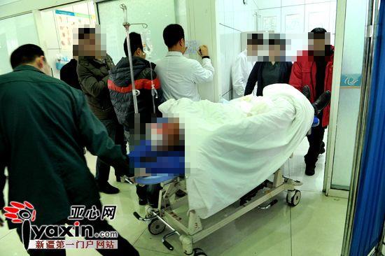 飞石击穿车窗 新疆一驾驶员重伤双眼眼球破碎