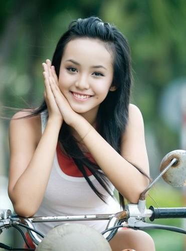 张馨予/12岁的越南美少女Hoang