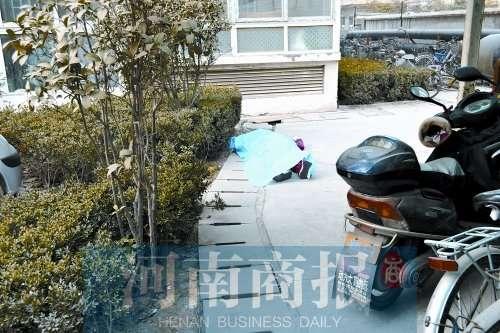 花季女孩因母亲未送其上学从15楼跳下身亡