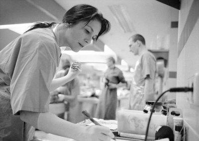 解剖 法医/实拍法医解剖室解剖尸体的真实场面