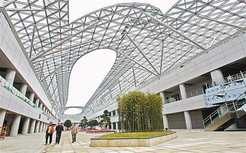 """重庆国际博览中心主体结构完工 建设难度超""""鸟巢"""""""