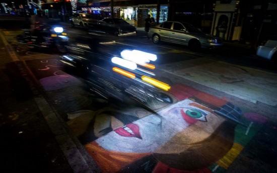 世界上最大的街头绘画艺术节日前在美国弗罗里达州莱克...