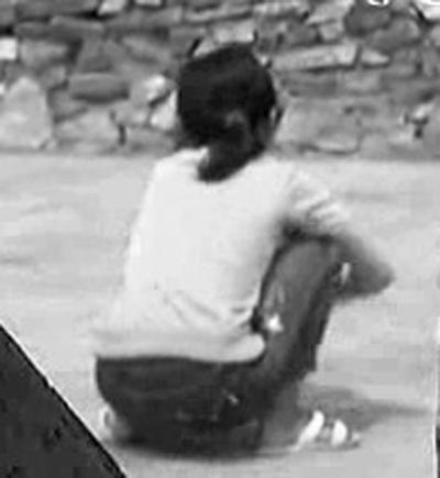 湖北郧西6旬小学教师丁某寝室内骗奸多名女学生被抓获