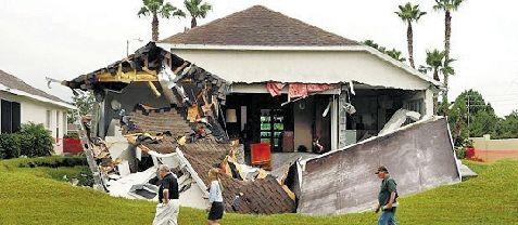 事件发生在2月28日晚上,当时这处住所内还有另外5人。
