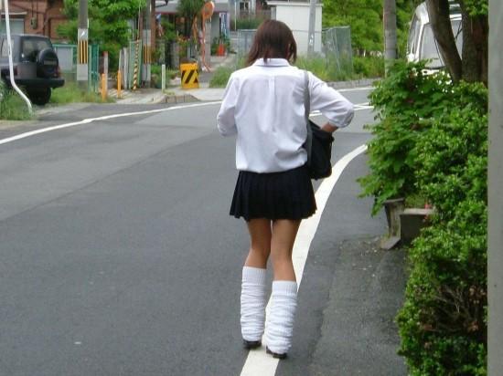 日本女生短裙校服资料图