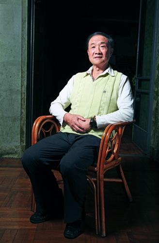 2013 年2 月25 日,徐小岩在家中接受环球人物杂志记者采访。