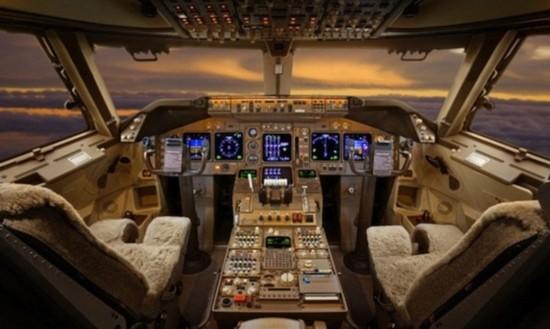 揭秘全球富豪奢华私人飞机:配备电影院