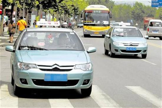 桑塔纳志俊出租车采用1.6l车型居多,也有1.8l和2.0l.