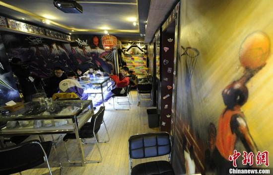 """长春现""""球鞋""""主题餐厅 老板称80双鞋已收藏8年"""