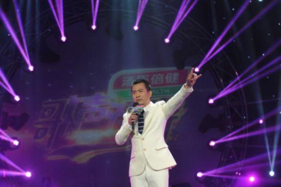刘卓曾参与过崔健,李健,孙楠等大腕的演唱会,与孙楠,那英,韩红等国内图片