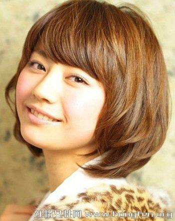 女生短发发型 韩式短卷发修颜更时尚