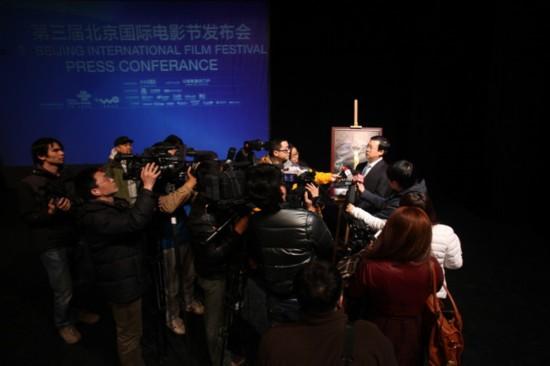 北京国际电影节组委会常务副秘书长赵志勇接受媒体采访图片