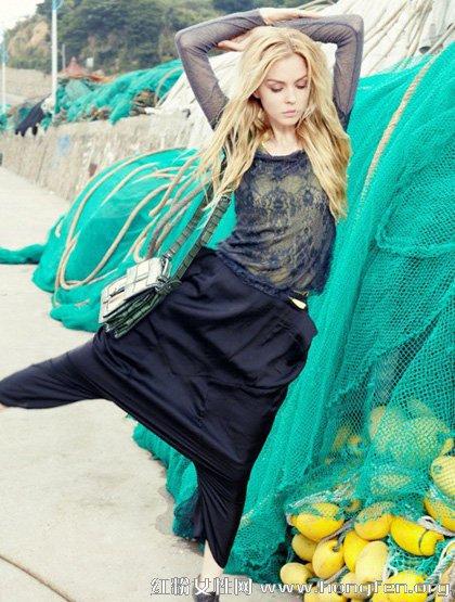 最新服装搭配 欧美朋克风引领潮流