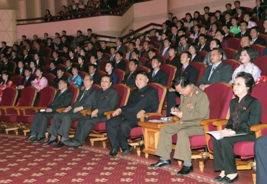 金正恩出席朝鲜 太阳节 军民文体活动 组图