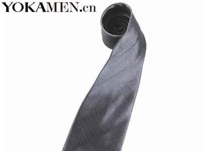 纯色领带沉稳低调