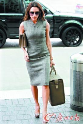 貝嫂維多利亞這款改良旗袍堪稱OL版