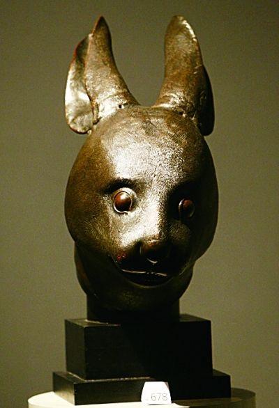 图为兔首铜像的资料照片.新华社发-法国皮诺家族表示圆明园兽首将