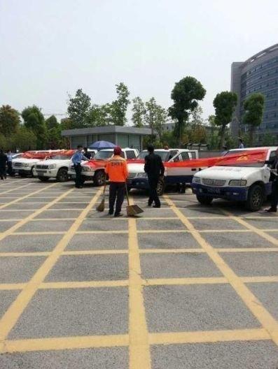 温州30余名城管围堵政府要求改善待遇被劝退