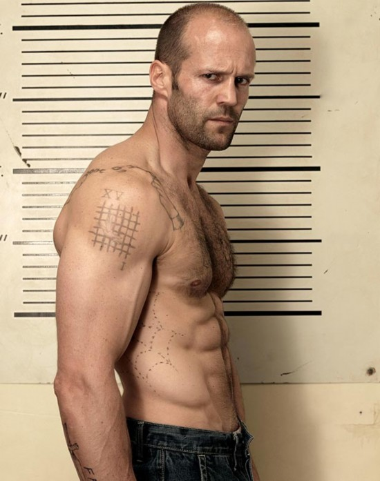 杰森·斯坦森(Jason Statham),45岁,演员。他的一举一动,都令女人为之垂涎,难怪俘获了名模罗茜·汉丁顿·惠特莉(Rosie Huntington-Whiteley)的芳心。 来源:环球网
