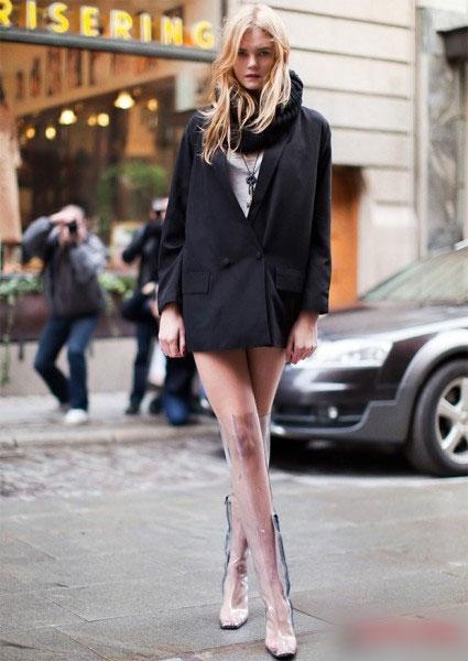 俄罗斯一名女子拥有世界最长美腿