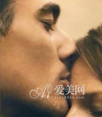 2、拥抱着她直到她希望离开-23招点燃女人欲火 爱爱更快乐激情