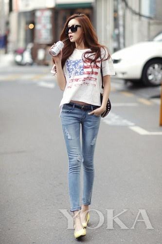 国旗LOGO短款T恤搭配小脚裤修身显瘦 -甜美范审美疲劳 欧美风正流行