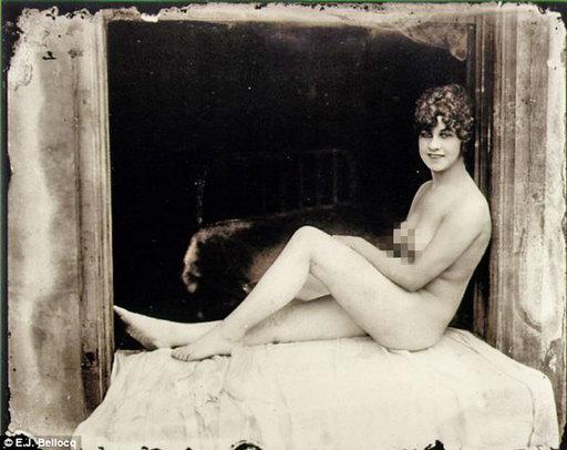 美国红灯区私密照 曝光百年前妓女生活