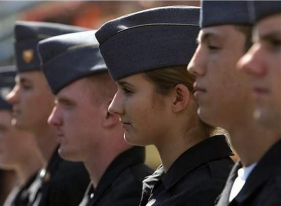 女生 西点军校/西点军校女学员比例提高,性骚扰事件也令人难堪。...
