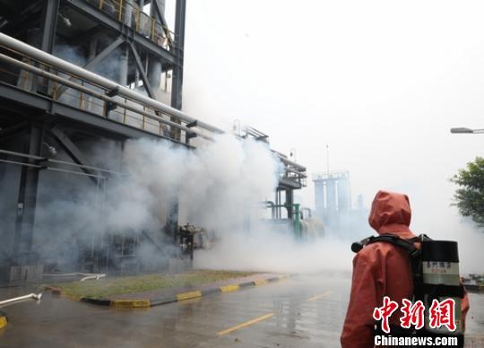 四川乐山一化工企业发生泄露产生有毒烟雾