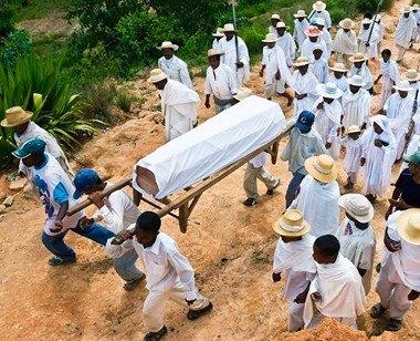 """史上最全的""""死而复生""""事件:男子葬礼上""""起死回生"""" [24p]"""
