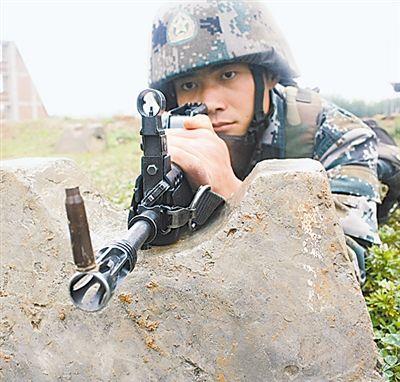 解放军上等兵20发子弹20秒速射打出199环