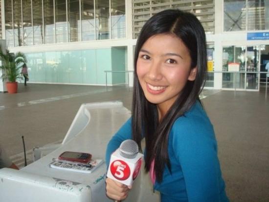 被称菲律宾阴谋美女记者自爆已有男朋友