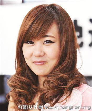 韩国女生圆脸长发发型图片图片
