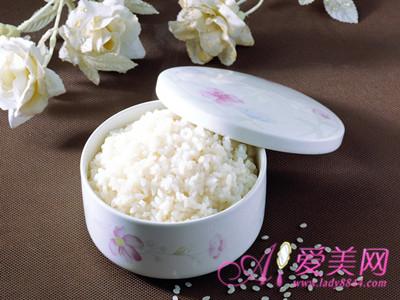 7种最适合女性的白色食物  养成美白好气色