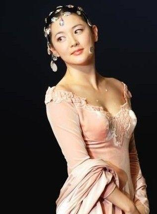 敏英 韩国新老女星美胸比拼 图