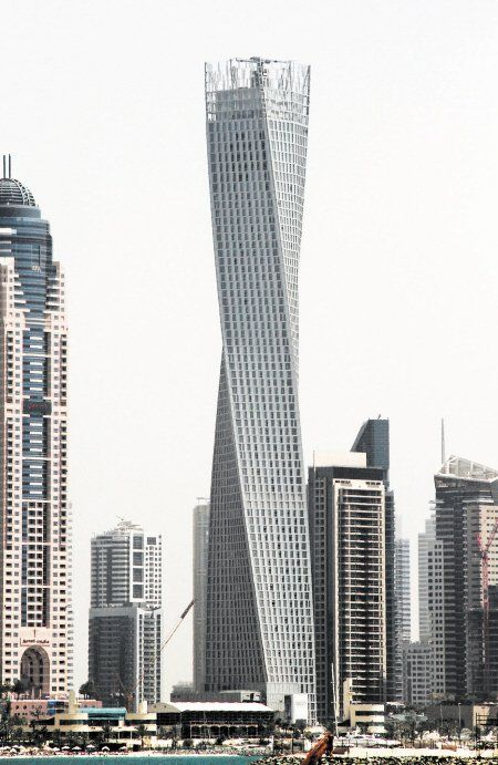 """世界最高""""扭曲塔""""于迪拜落成 总高310米(图)"""