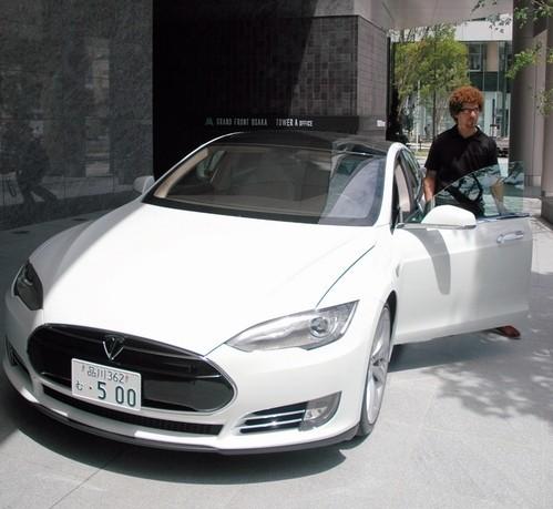 特拉斯EV新款跑车打入日本关西市场高清图片