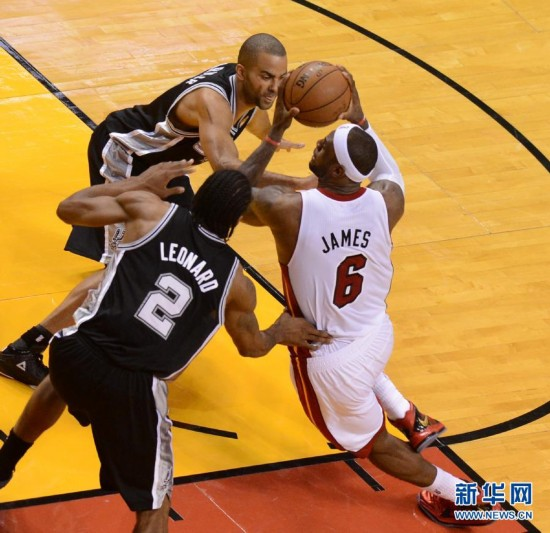 在比赛中突破.当日,2012-2013赛季美国NBA总决赛热火对阵马刺图片