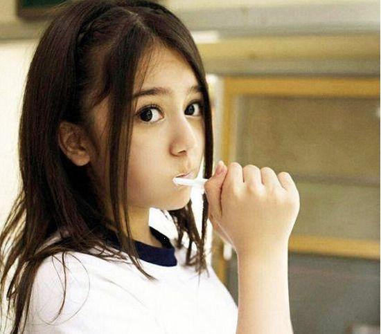 日本 康逸琨/16岁混血美女 日本男生眼中的...