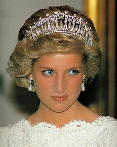 戴安娜王妃与卡米拉 英国王妃戴安娜卡米拉 卡米拉与戴安娜